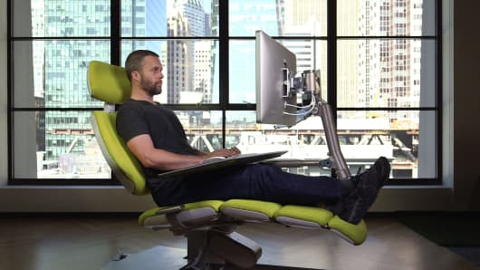 The 5900 chair that lets you lay down on the job