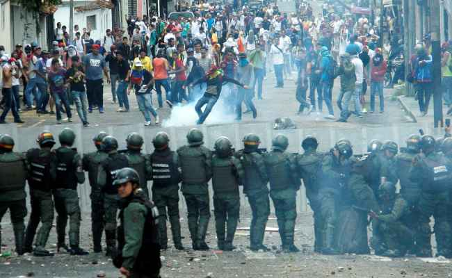 Venezuela S Problems Get Worse As Protests And Riots