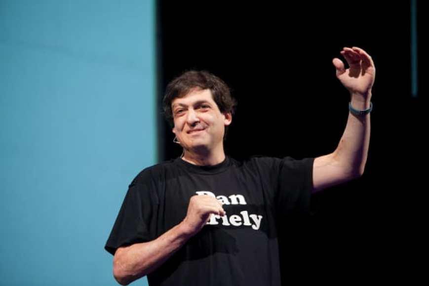 Dan Ariely, economista conductista y psicólogo, dice que el dinero no es lo único que motiva a los trabajadores.