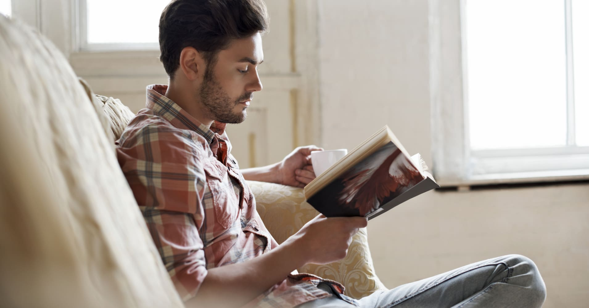 12 Books To Read In If You Want To Get Rich