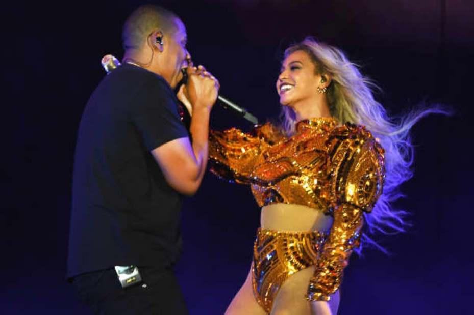 """Beyonce y Jay Z realizan durante """"el viaje del mundo de la formación"""" en el estadio de MetLife el 7 de octubre de 2016 en Rutherford del este, New Jersey."""