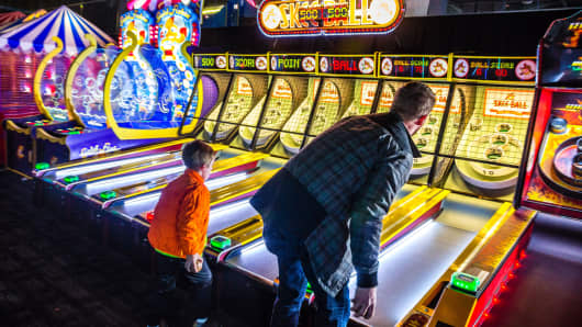Dave Buster S Is One Way Malls Are Filling All Those