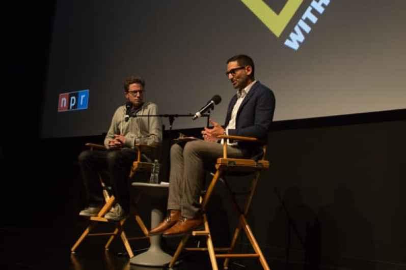 """Jonah Peretti habla con Guy Raz en una grabación en vivo de NPR """"How I Built This"""" en la ciudad de Nueva York"""