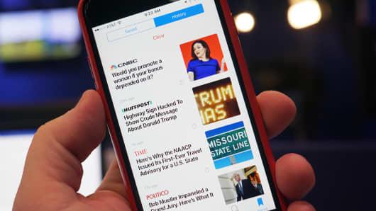 CNBC Tech: Apple News 8
