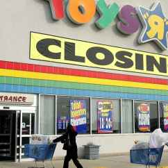 Toys R Us Chairs Reclining Desk Chair Staples To Close 180 Stores Across The