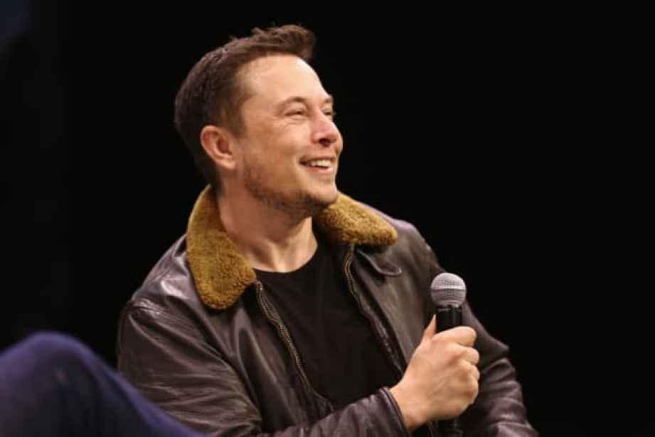 Elon Musk habla en el escenario en Elon Musk Â¡Responde tus preguntas!  durante SXSW en ACL Live el 11 de marzo de 2018 en Austin, Texas.