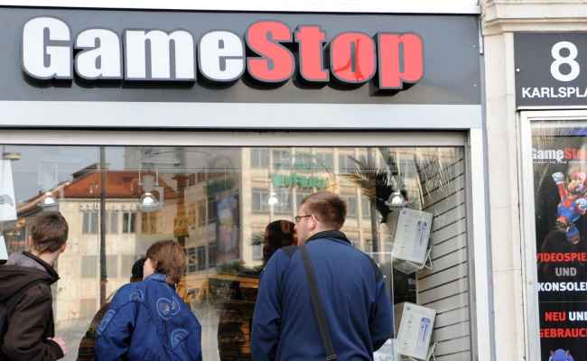 Gamestop Says It Will Sell Spring Mobile Division For 700