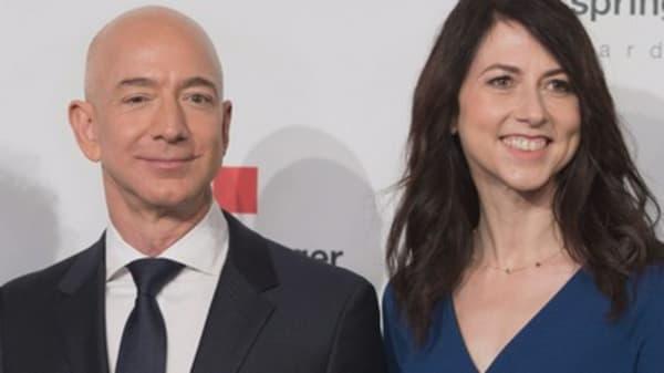 Amazon CEO Jeff Bezos and wife MacKenzie