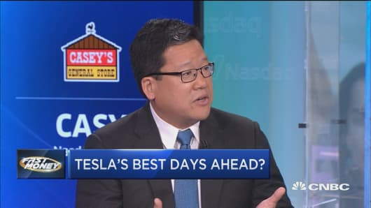 Tesla shares could see Netflix-like recovery, says consumer trend expert