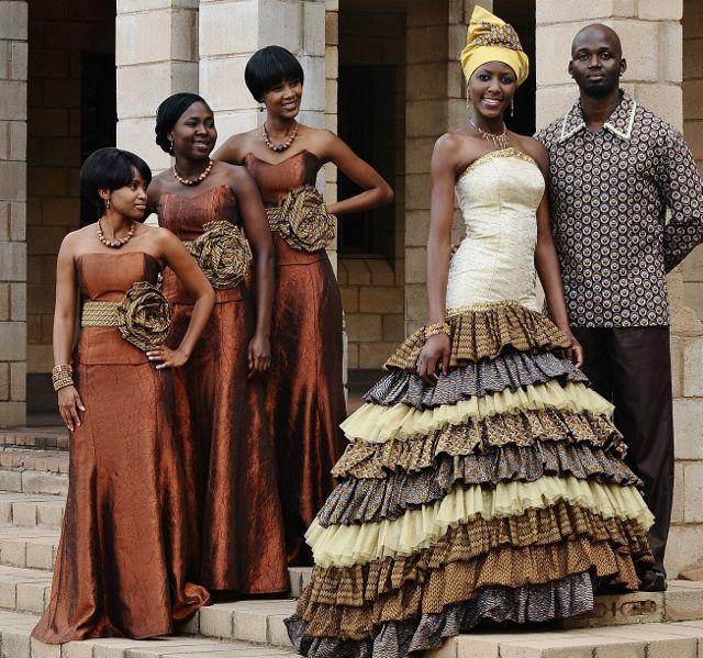 Charmant African Wedding Dress Layers Prints