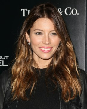 jessica biel long layerd hair cut highlights