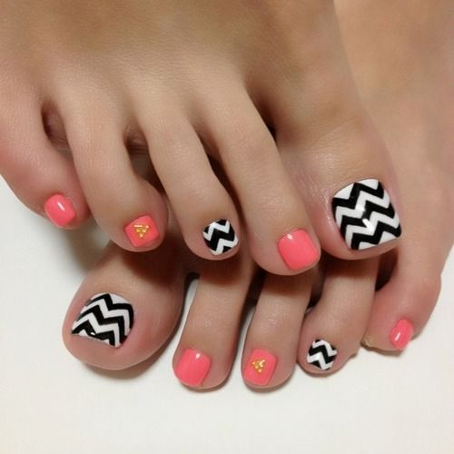 chevron pedi - 50+ Incredible Toe Nail Designs Ideas FMag.com