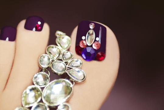 crystal toe nail art