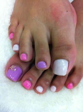 pastel pink pedicure