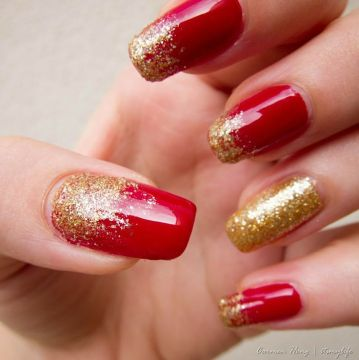 red nails golden glitter