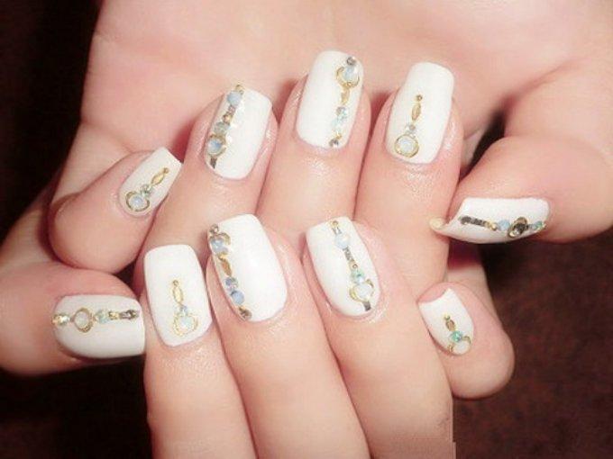 White nail art fmag white nail art prinsesfo Image collections