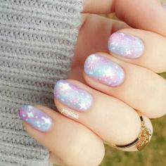 Pretty pastel wedding nails