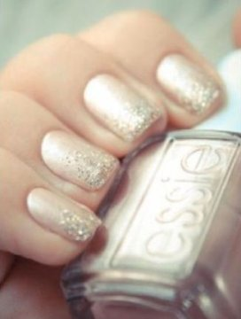 Pale glitter wedding nails