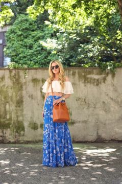 Bohemian maxi skirt outfit