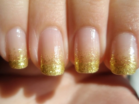 Gold Glitter Nails for Brides