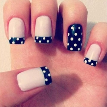 Dots French Tips