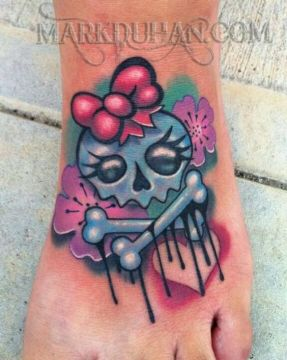 cute comic skull tatoo
