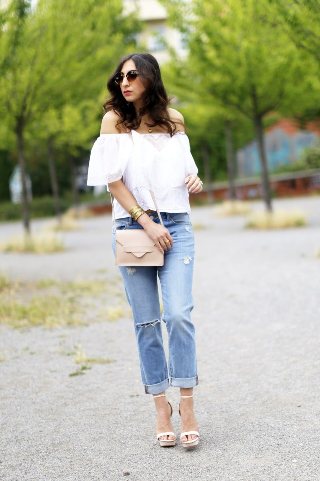 boyfriend jeans classic off shoulder top