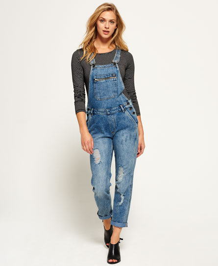 cuffed boyfriend overall jeans outfit