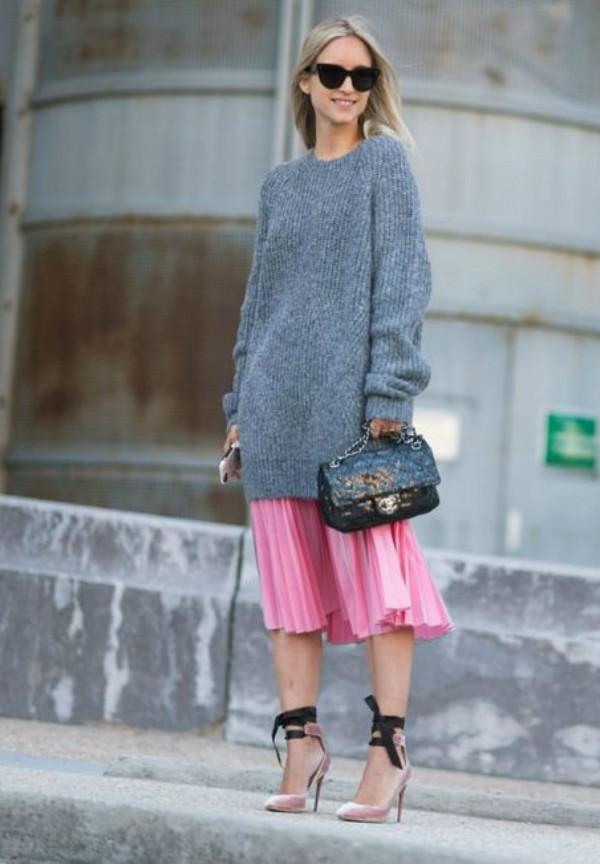 high waist skirt sweater look