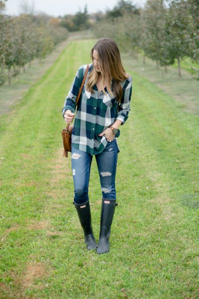 black flannel plaid shirt hunter rain boots