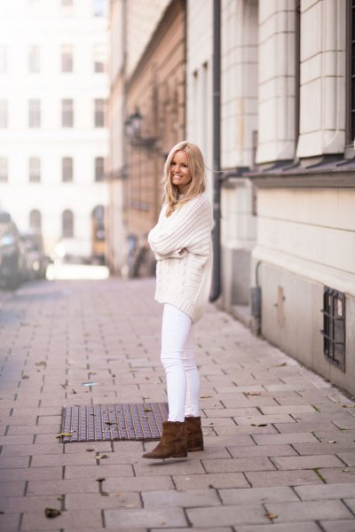 comfy knit sweter white jeans