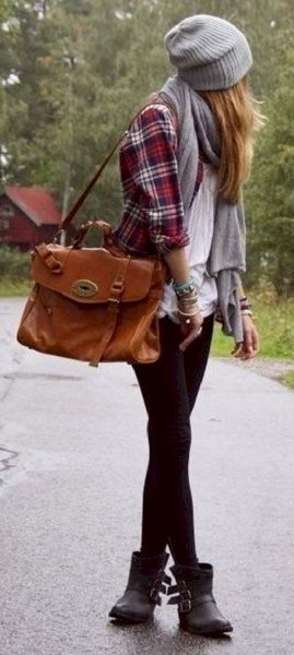 flannel shirt white blouse black leggings