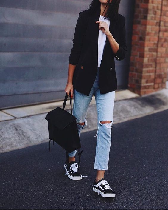 navy blue blazer black sneakers