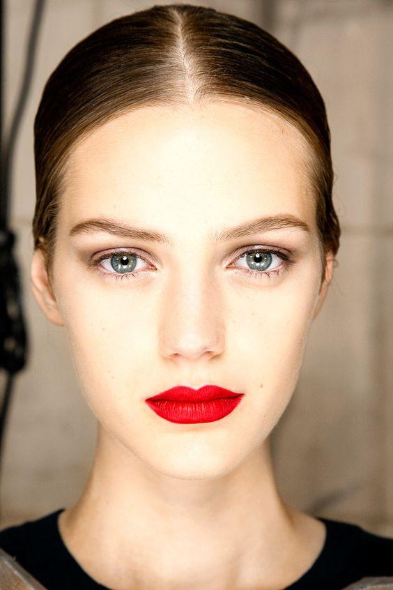red matte lipstick bruinette