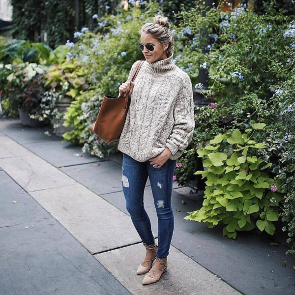 CABLE KNIT JUMPER + RIPPED SKINNY JEANS