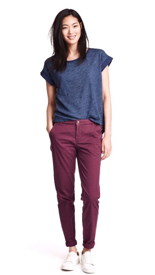How to Wear Chinos Casually for Women: Outfit Ideas
