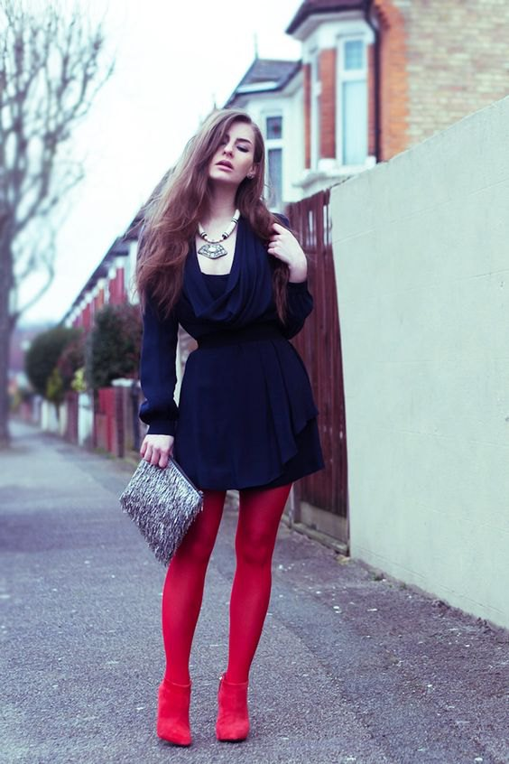 0c21a97c4fe7 15 Best Outfit Ideas on How to Style Red Leggings - FMag.com