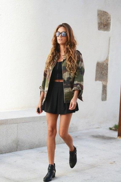 black crop top pleaded mini skirt camo jacket