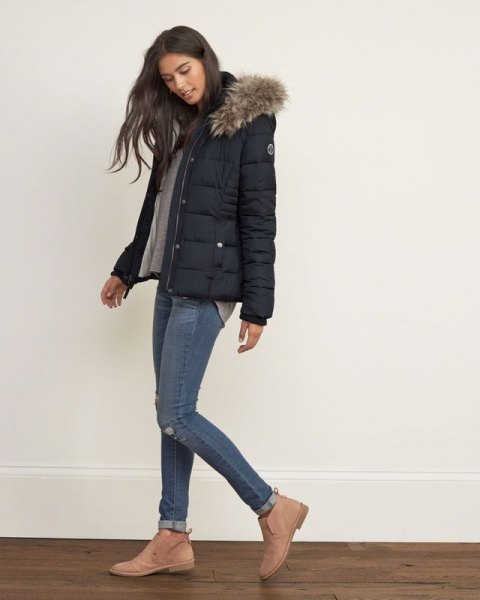grey t shirt skinny jeans puffer jacket