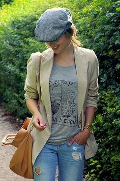 grey t shirt wool flat cap