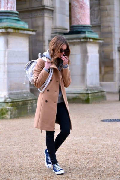 long fleece coat black skinny jeans high top converse