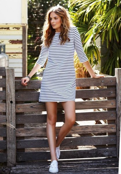 long sleeve black and white striped t shirt dress