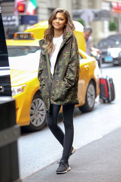 oversized camo jacket running tights