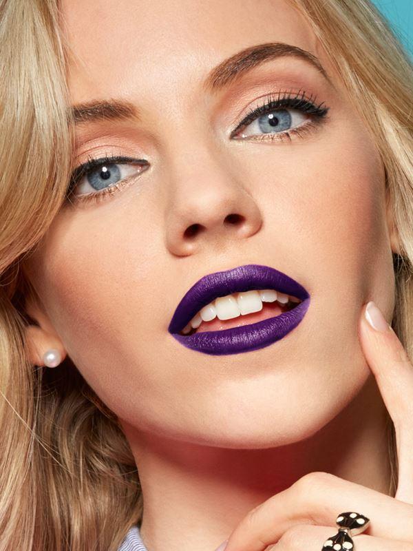 purple lipstick blond hair
