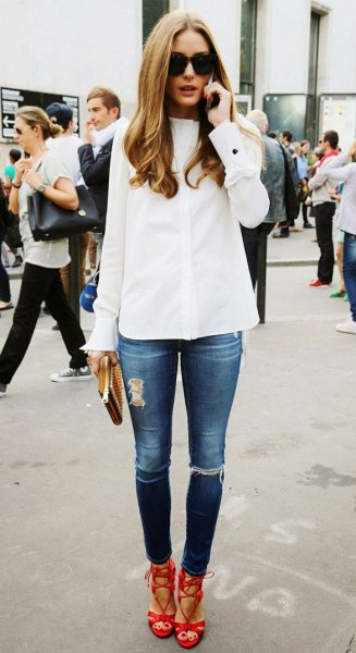 red strappy heels white shirt ripped jeans