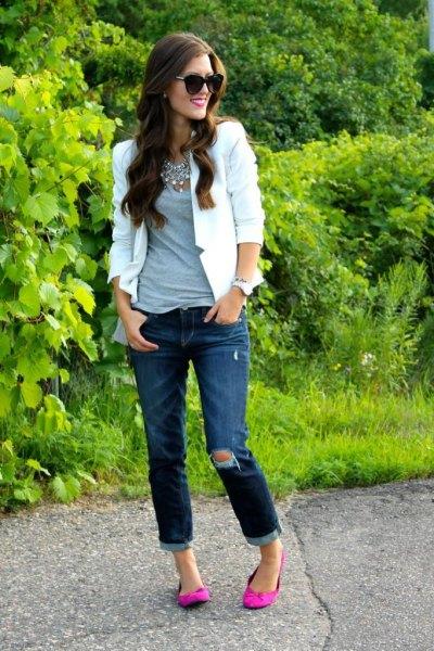 white blazer cuffed jeans ballet flats