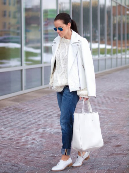 white cable knit chunky sweater cuffed jeans