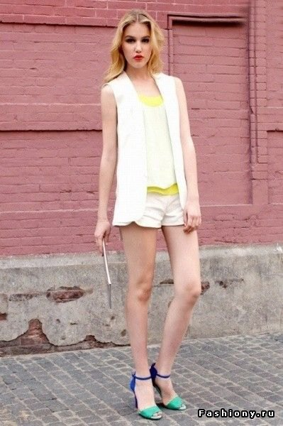 white sleeveless chiffon blazer vest top shorts