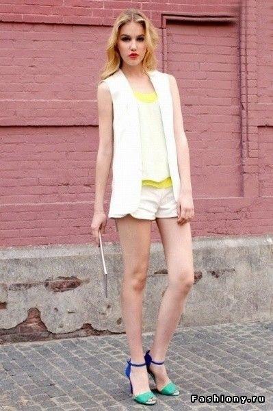 white sleeveless chiffon blazer vest top shorts