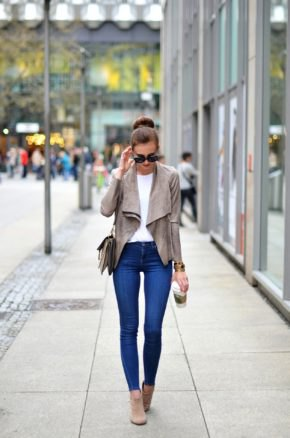 white t shirt blue skinny jeans ankle suede pants